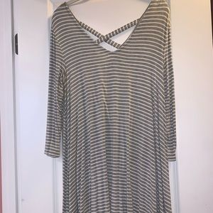 Tops - 3/4 Sleeve Gray/White Striped Tunic